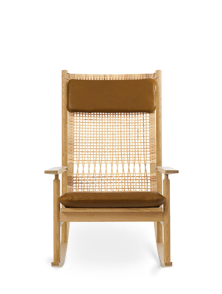 For Sale: Brown (Nevada 2488) Swing Rocking Chair in Oak, by Hans Olsen from Warm Nordic