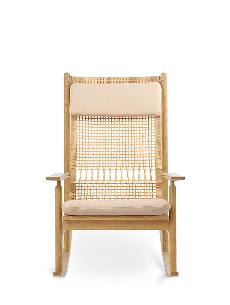 For Sale: Pink (Vegetal 090) Swing Rocking Chair in Oak, by Hans Olsen from Warm Nordic