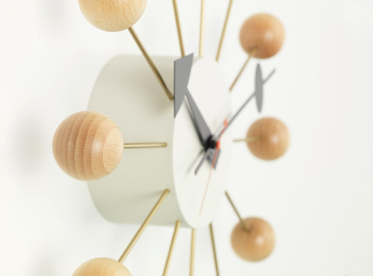 Modern Vitra Ball Wall Clock in Beech Wood & White with Black Hand by George Nelson For Sale