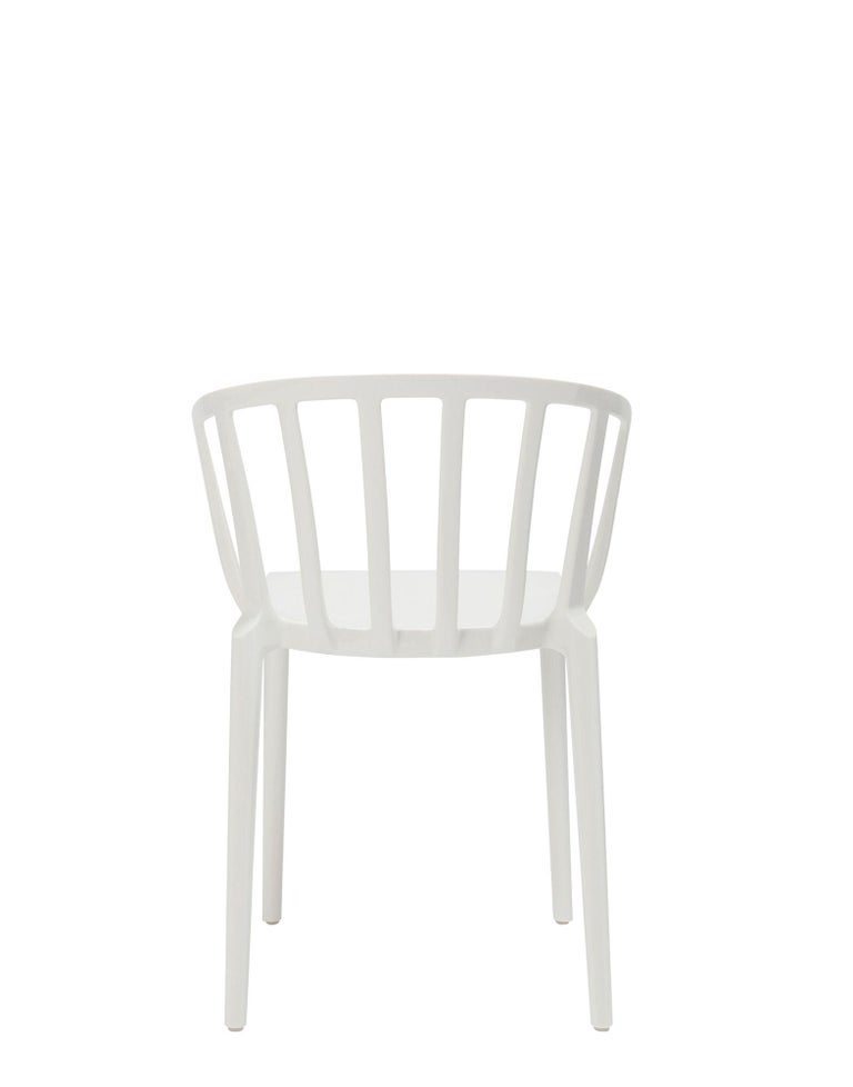 Italian Set of 2 Kartell Venice Chairs in White by Philippe Starck For Sale