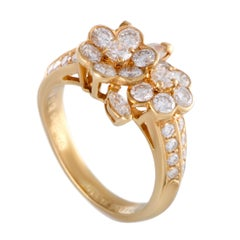 Van Cleef & Arpels 18 Karat Yellow Gold Diamond Flower Ring
