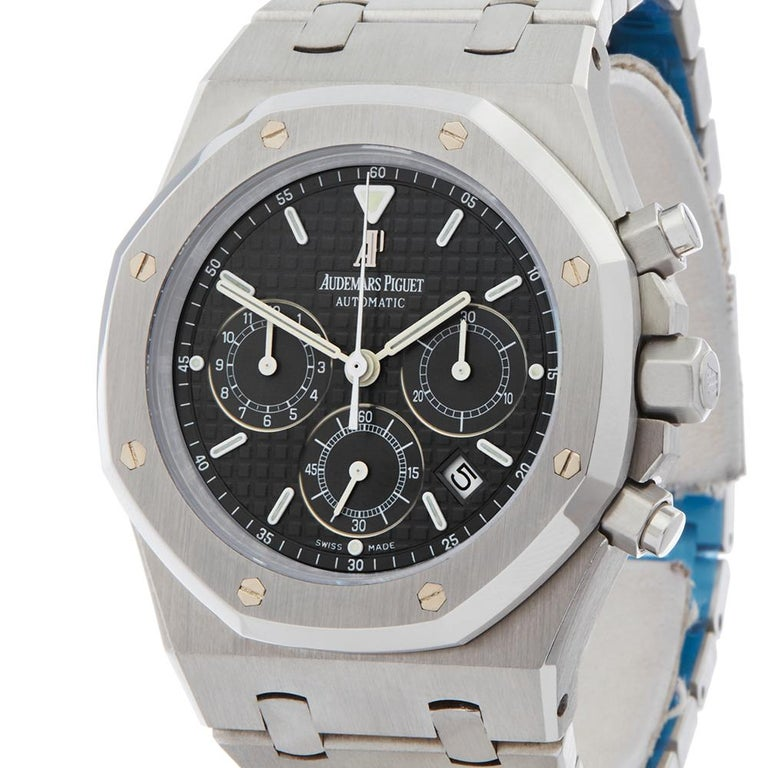 2000s Audemars Piguet Royal Oak Chronograph Stainless Steel Wristwatch In Excellent Condition For Sale In Bishops Stortford, Hertfordshire