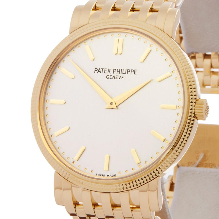 2010's Patek Philippe Calatrava Yellow Gold 5120J-001 Wristwatch In Excellent Condition For Sale In Bishops Stortford, Hertfordshire