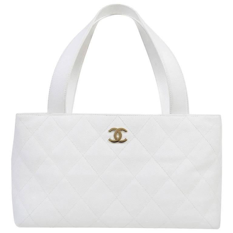 5adfee6c1810 Chanel White Caviar Leather Tote Bag For Sale at 1stdibs