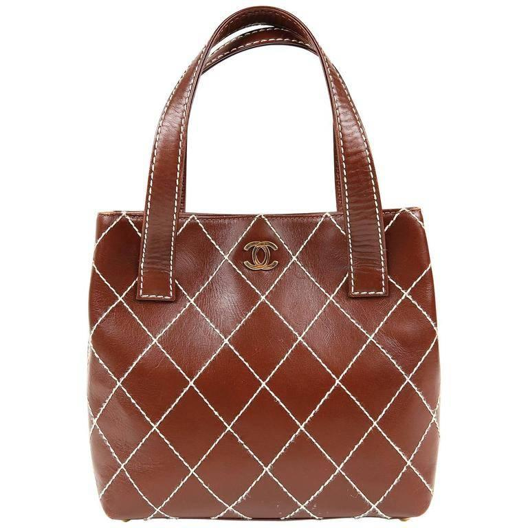 4cab3bf39ca89 Chanel Brown Topstitched Day Bag For Sale at 1stdibs