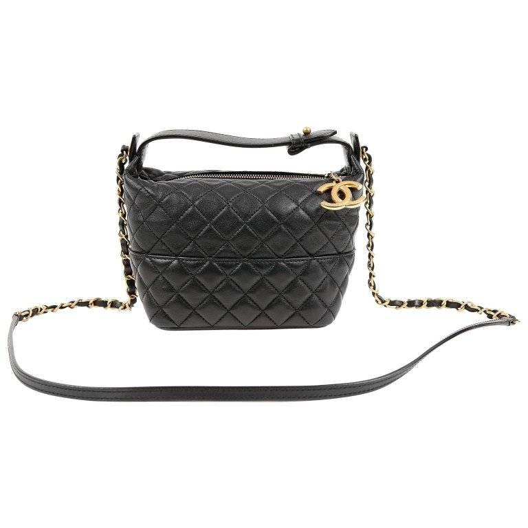 ff4010eb25db Chanel Black Quilted Leather Crossbody Bag For Sale at 1stdibs