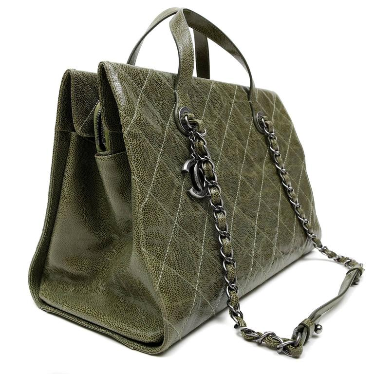 cb46ecf1b0de Chanel Olive Green Caviar Leather Crave Tote Bag at 1stdibs