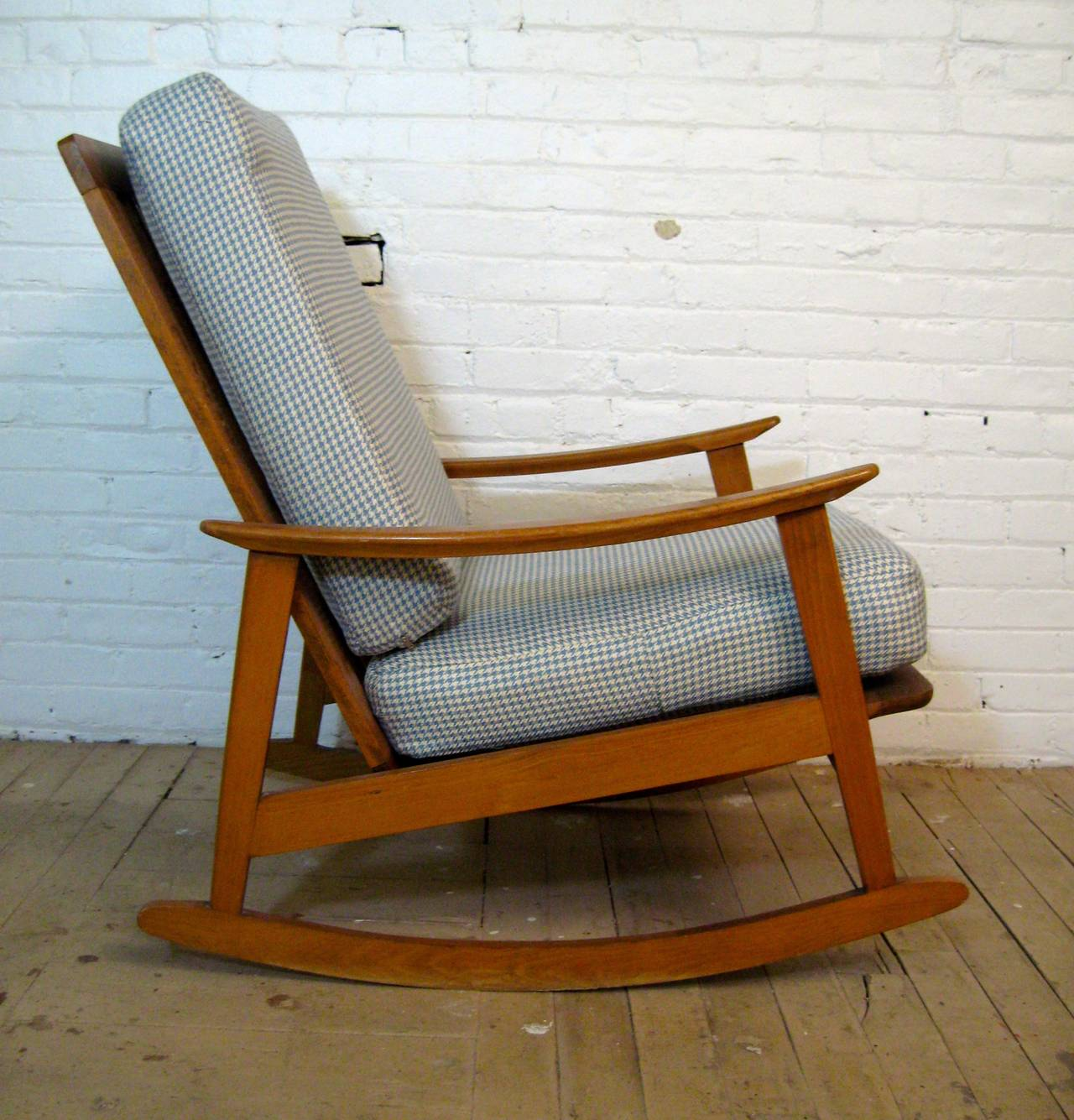 Mid Century Chairs For Sale: Mid-Century Modern Rocking Chair For Sale At 1stdibs