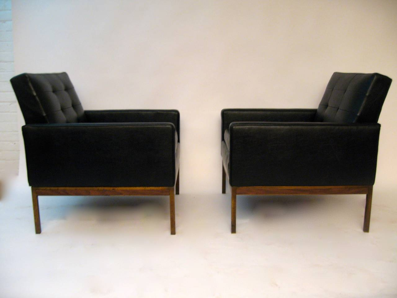 Pair of florence knoll style 1960s club chairs for sale at for Sixties style chairs