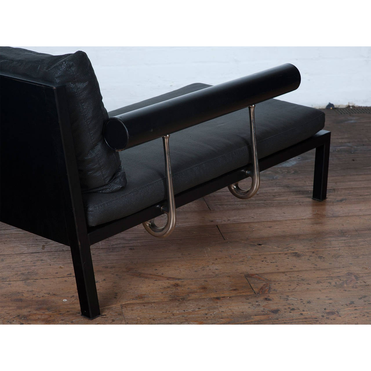 1980s black leather chaise longue by antonio citterio for for Black leather chaise