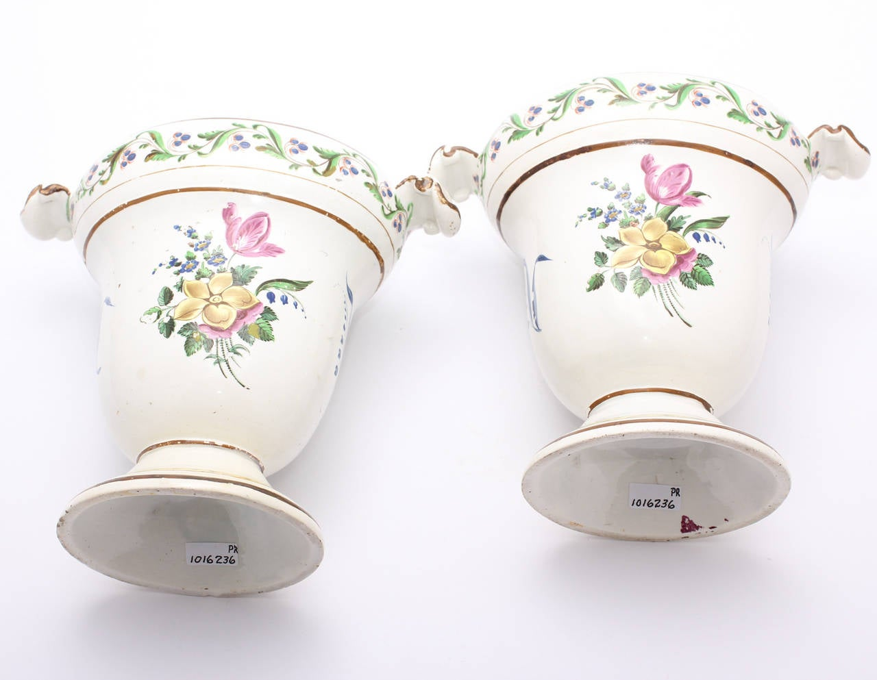 Neoclassical Pair of French Creamware Vases, Flower Decoration, circa 1800 For Sale