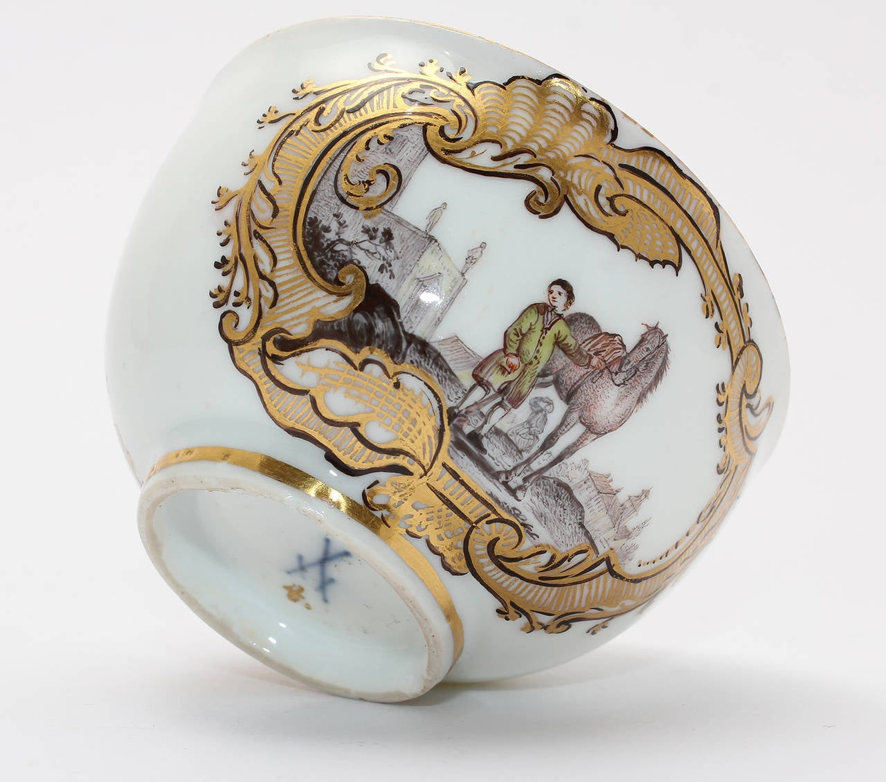 Porcelain Meissen Tea Bowl and Saucer, Equestrian Scene, circa 1745 For Sale