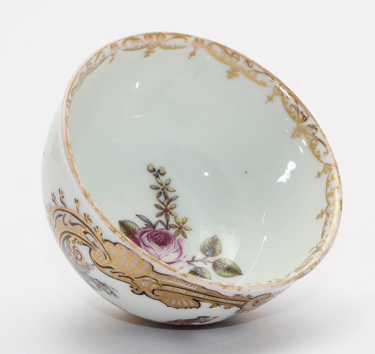 Meissen Tea Bowl and Saucer, Equestrian Scene, circa 1745 For Sale 1