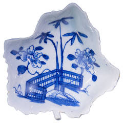 Early Bow Leaf Shape Pickle Dish, Fenced Garden Pattern, circa 1750