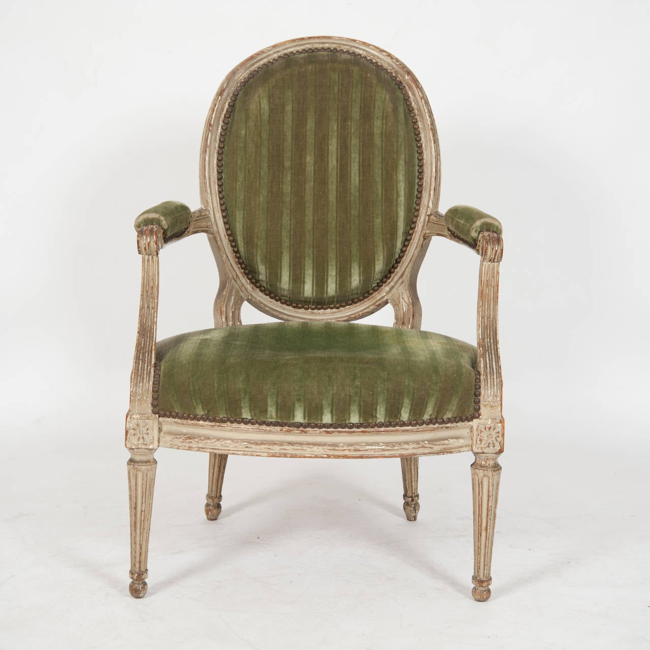 louis xiv fauteuil for sale at 1stdibs. Black Bedroom Furniture Sets. Home Design Ideas