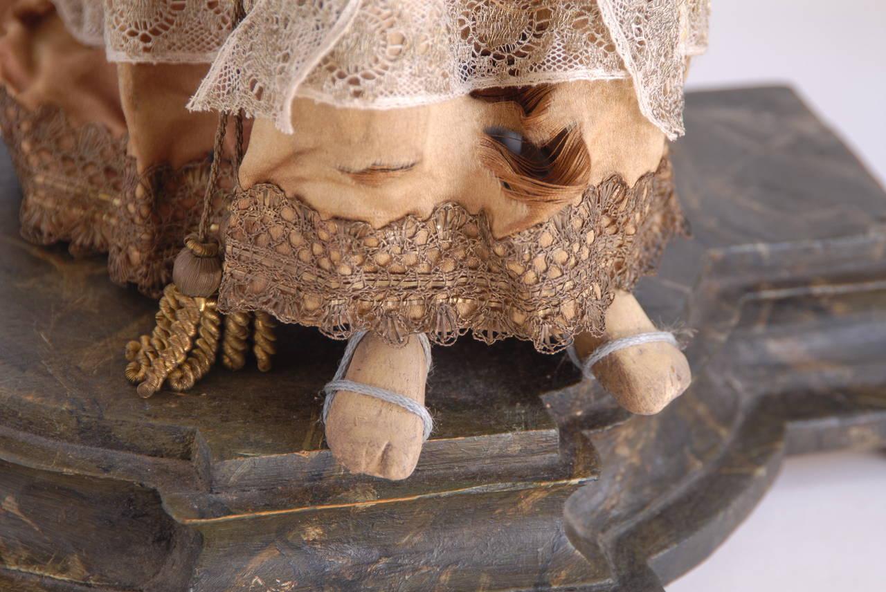 Mid-19th Century 19th Century Italian Nativity Female Figure For Sale