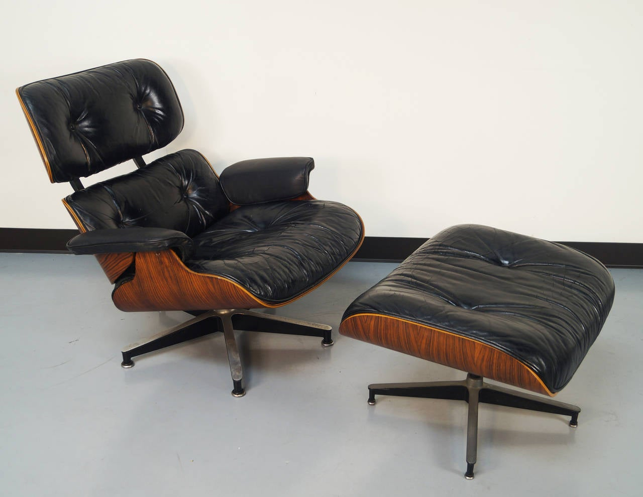 Rosewood Charles Eames Lounge Chair And Ottoman For Herman Miller - Charles eames lounge chair