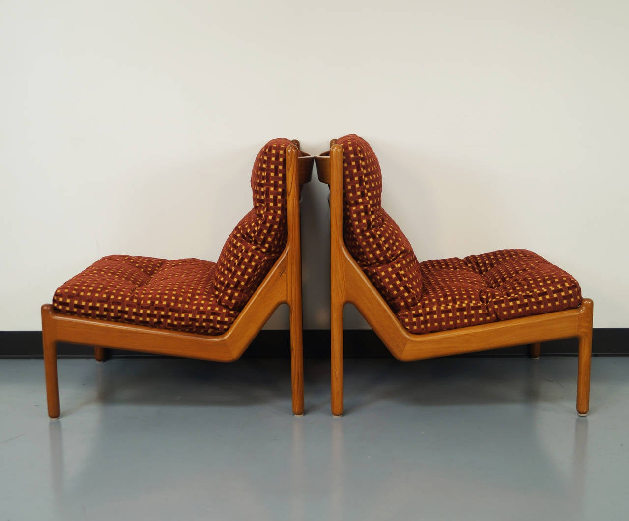 Elegant Danish Teak Lounge Chairs By Niels Bach In Excellent Condition For Sale In  Burbank, CA