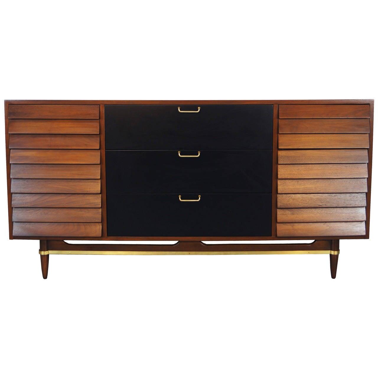 Vintage walnut dresser by american of martinsville for Vintage american martinsville bedroom furniture