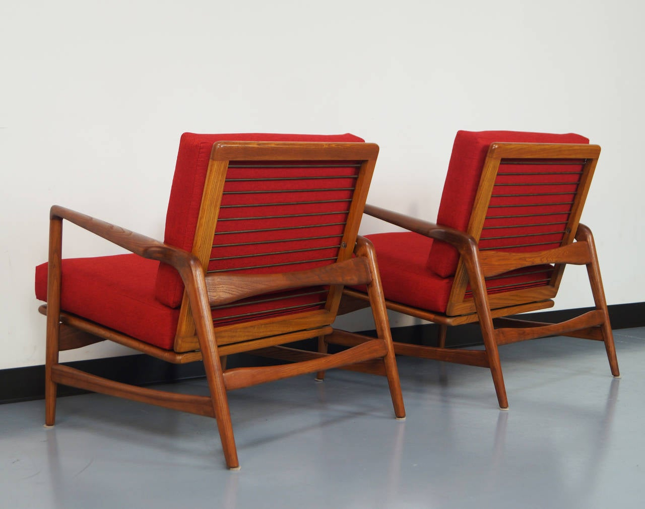 This sculptural pair of lounge chairs by ib kofod larsen is no longer - Vintage Reclining Lounge Chairs By Ib Kofod Larsen 3
