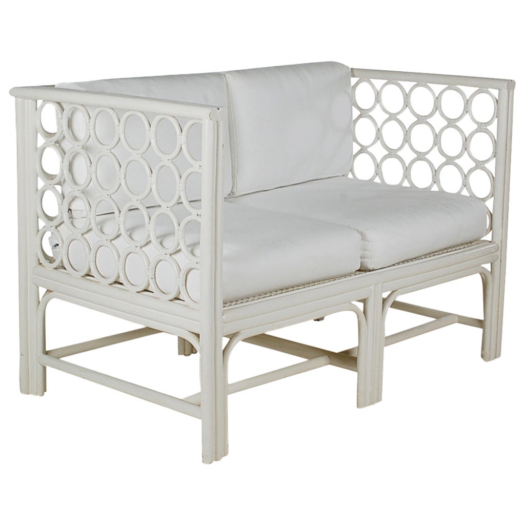 Mid century modern white rattan settee sofa at 1stdibs for Modern rattan sofa