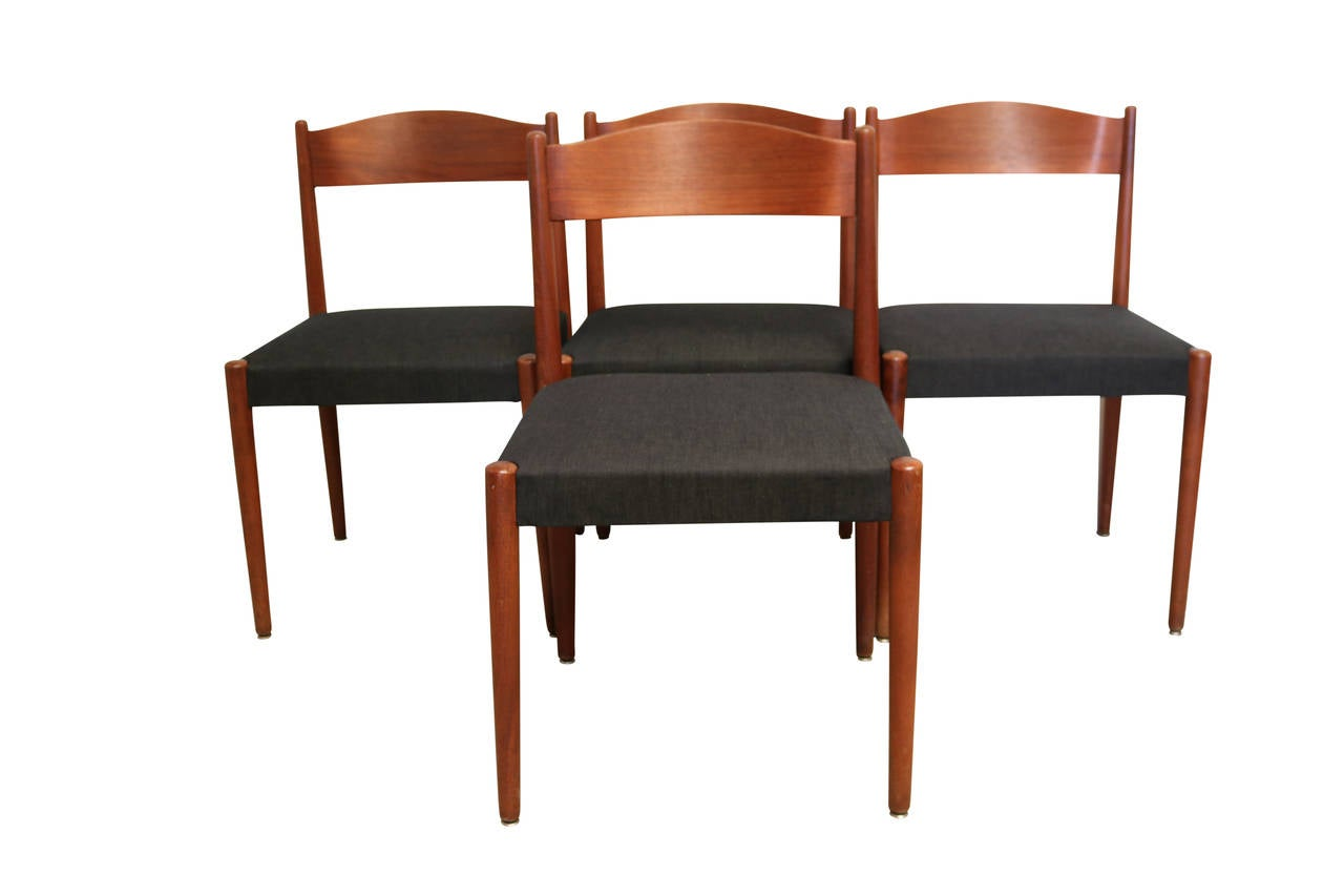 Round Teak Folding Dining Table and Chairs by Poul Volther  : IMG1923l from www.1stdibs.com size 1280 x 853 jpeg 44kB
