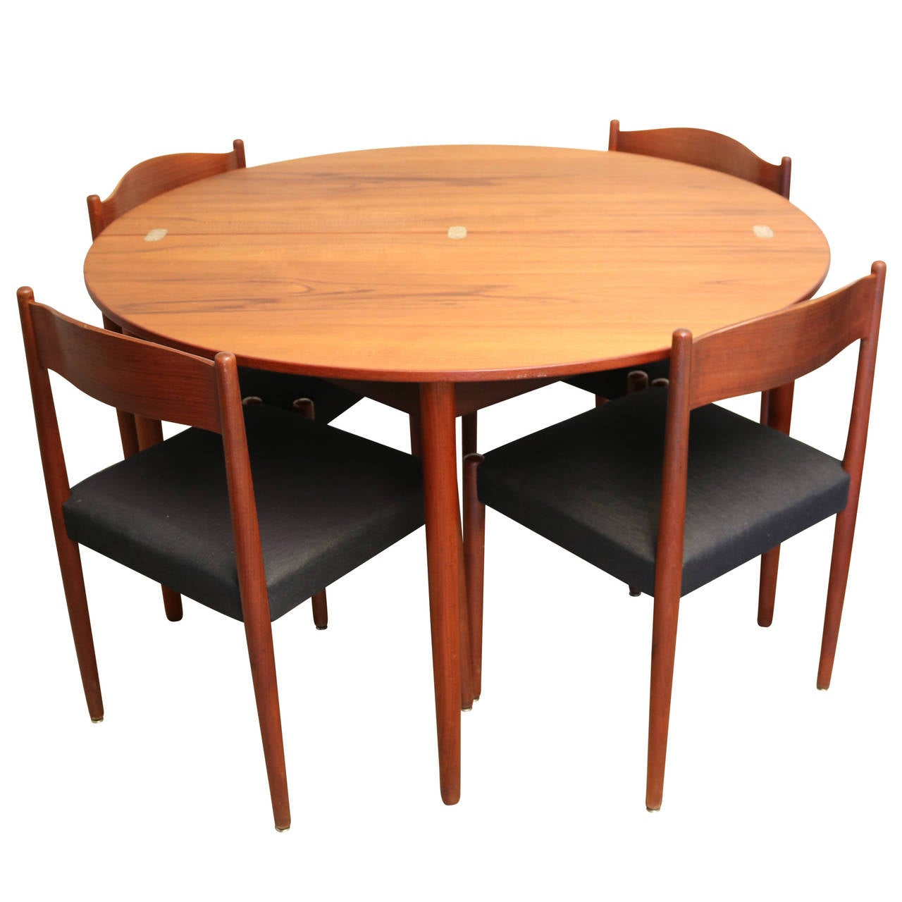 Round teak folding dining table and chairs by poul volther for Round dining table set