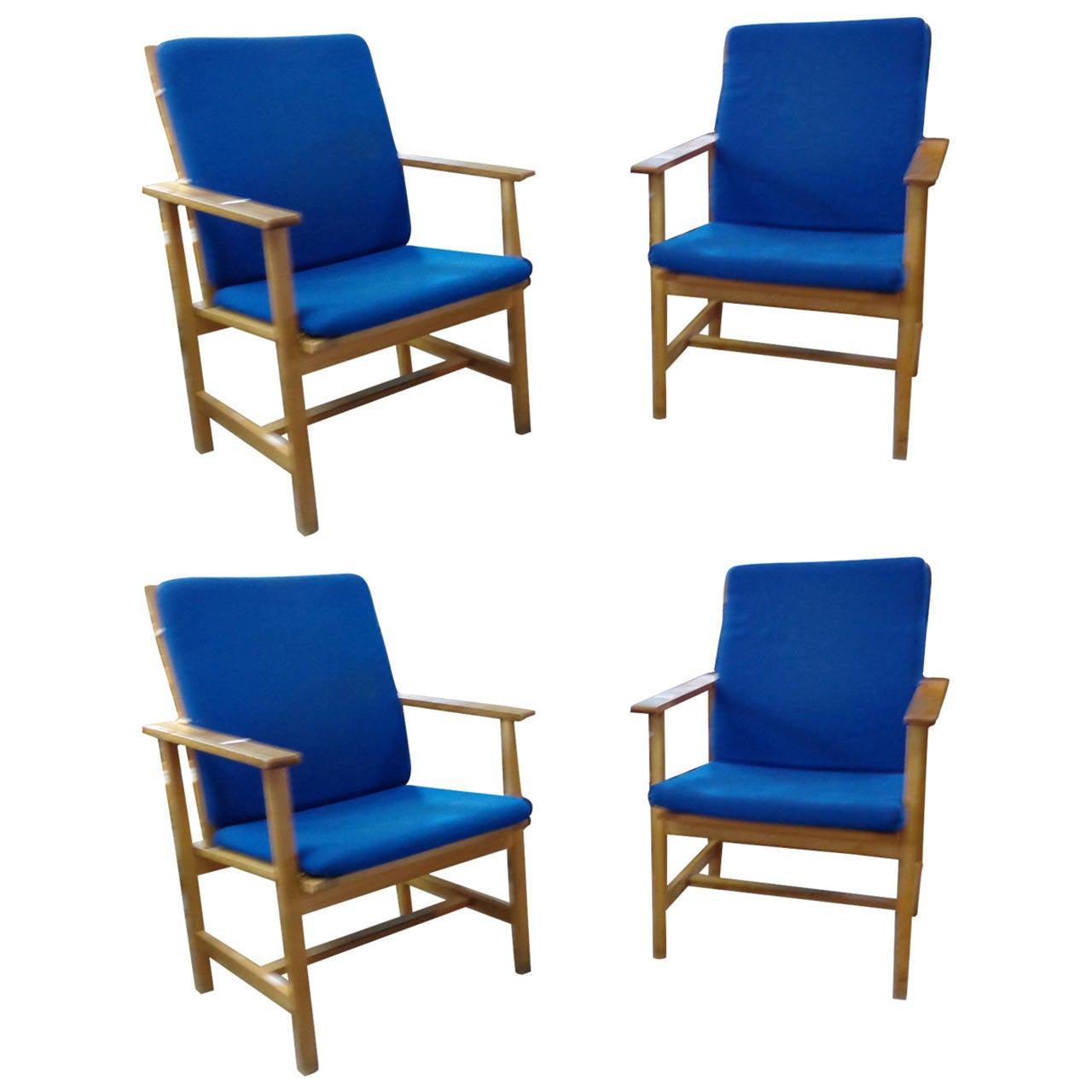 b rge mogensen oak armchairs with original blue wool. Black Bedroom Furniture Sets. Home Design Ideas
