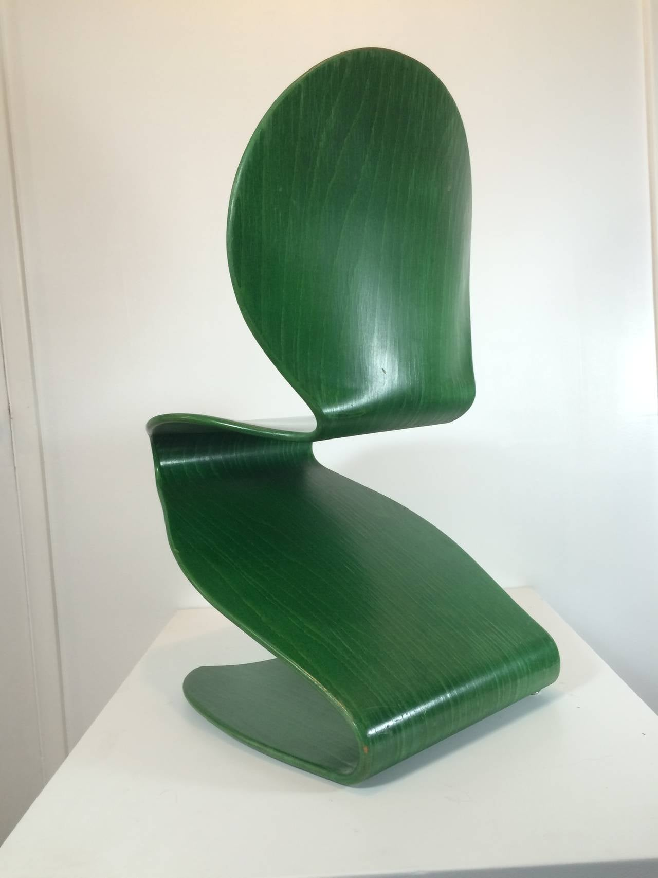 "Mid-Century Modern 1956 Verner Panton No. 276 ""S"" Chair Distributed by Thonet For Sale"