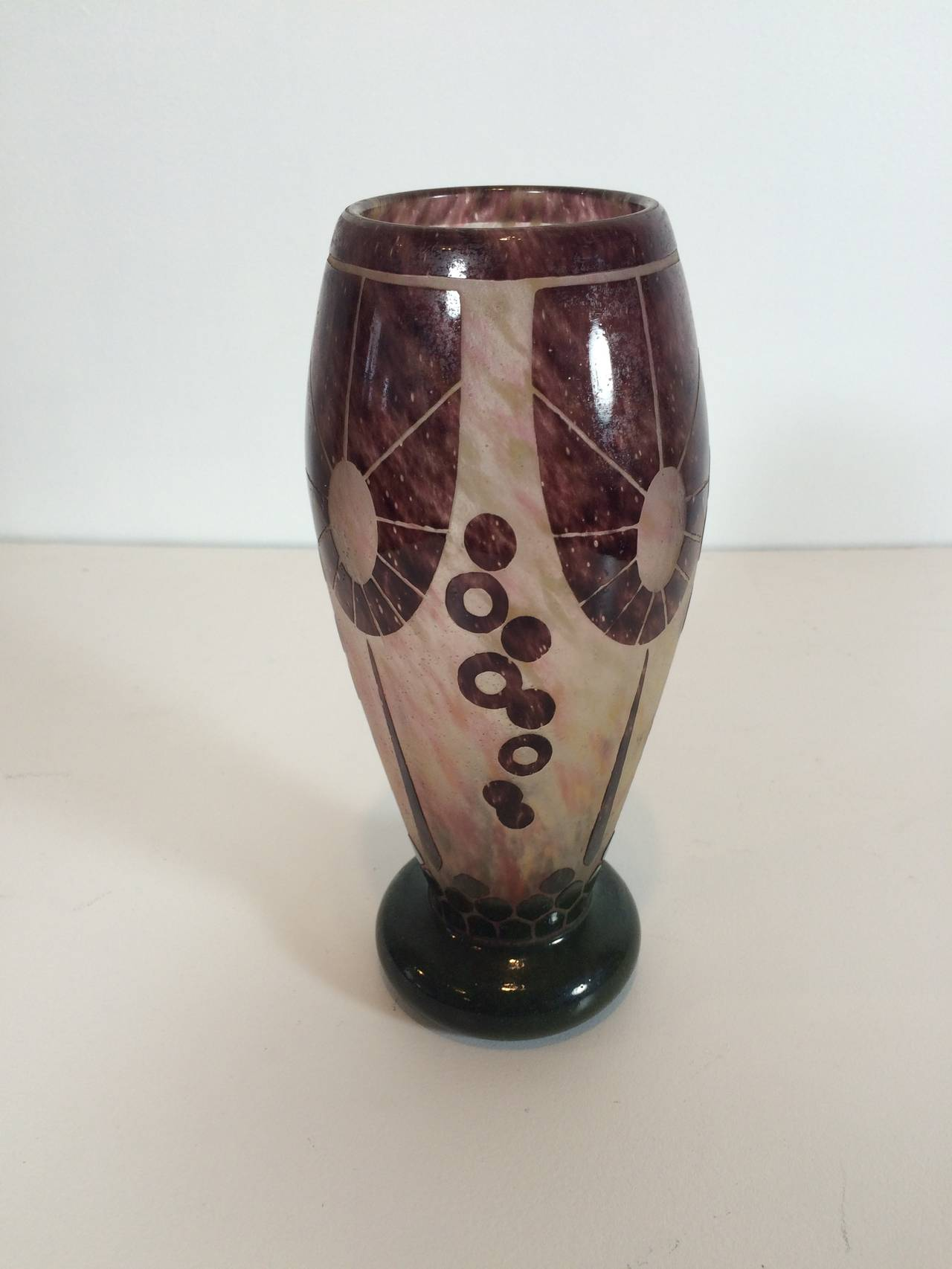 French Charles Schneider Le Verre Relief and Etched Art Deco Vase, 1920s For Sale