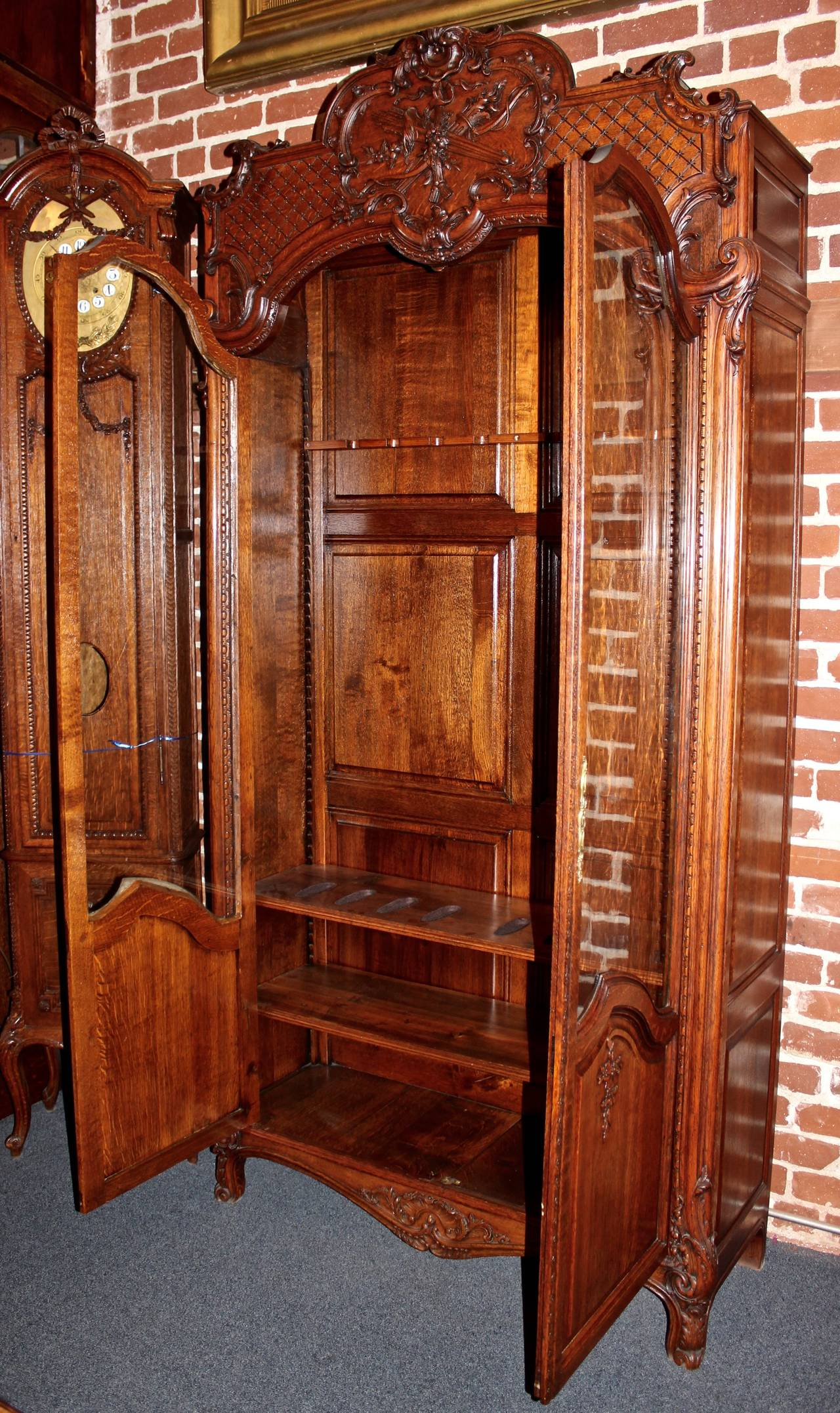 Early 20th Century French Louis Xv Style Gun Cabinet For
