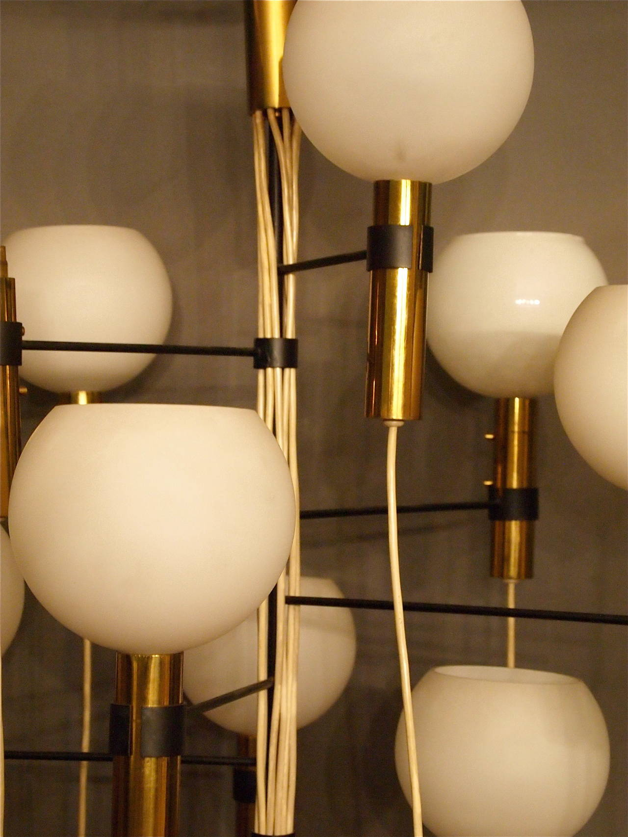 Chandelier Attributed to Gino Sarfatti, 1950s-1960s For Sale 3