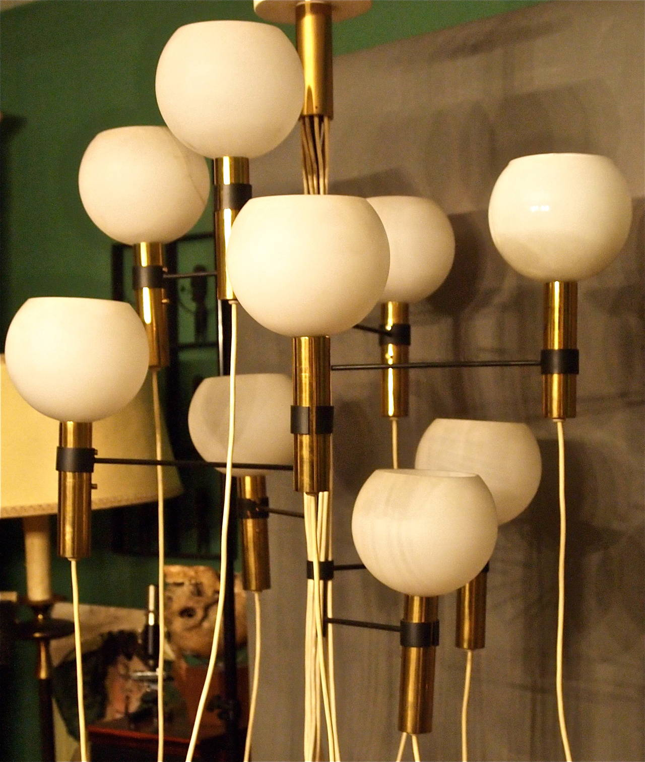 Chandelier Attributed to Gino Sarfatti, 1950s-1960s In Excellent Condition For Sale In Saint-Ouen, FR