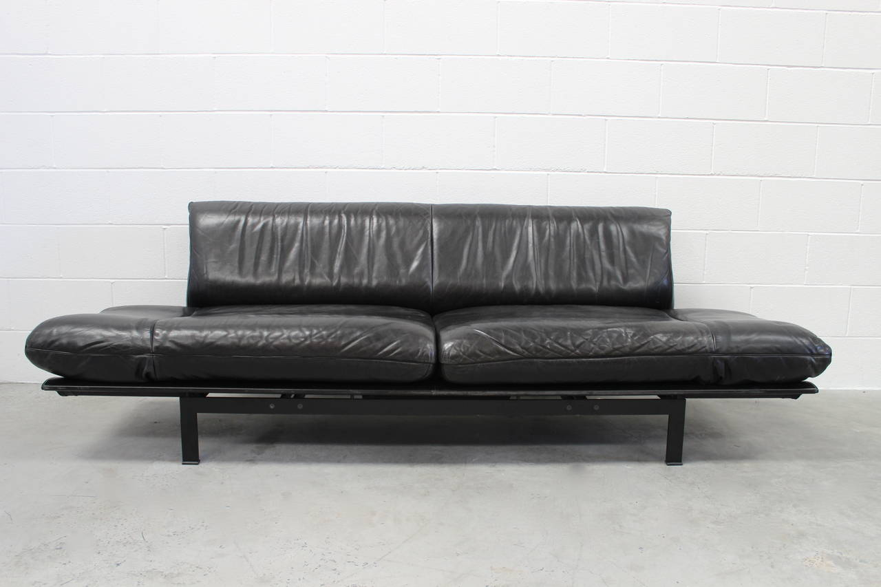 De sede ds 140 large sofa or chaise with tables in black for Black leather chaise sofa