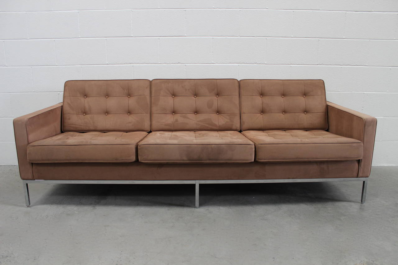 knoll studio florence knoll two sofa and armchair suite in brown ultrasuede for sale at 1stdibs. Black Bedroom Furniture Sets. Home Design Ideas