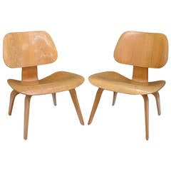 Pair of Early Charles Eames LCW Lounge Chairs for Herman Miller