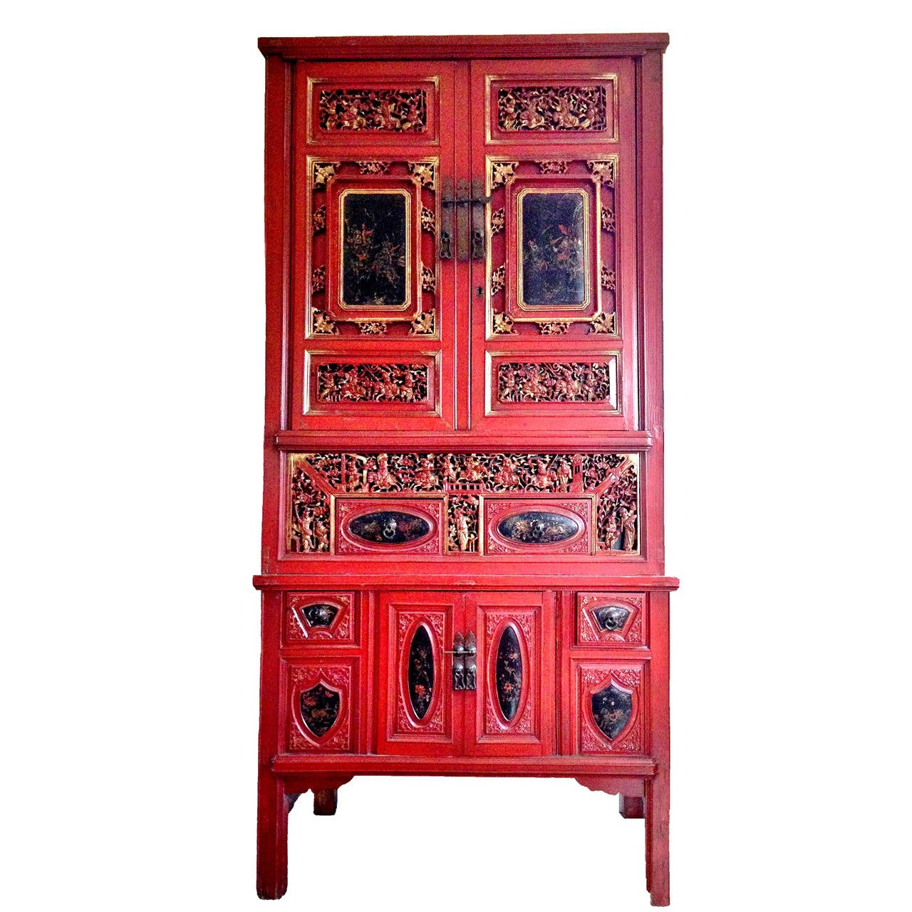 Finely carved chinese antique red cabinet gold leaf 19th for Red chinese furniture