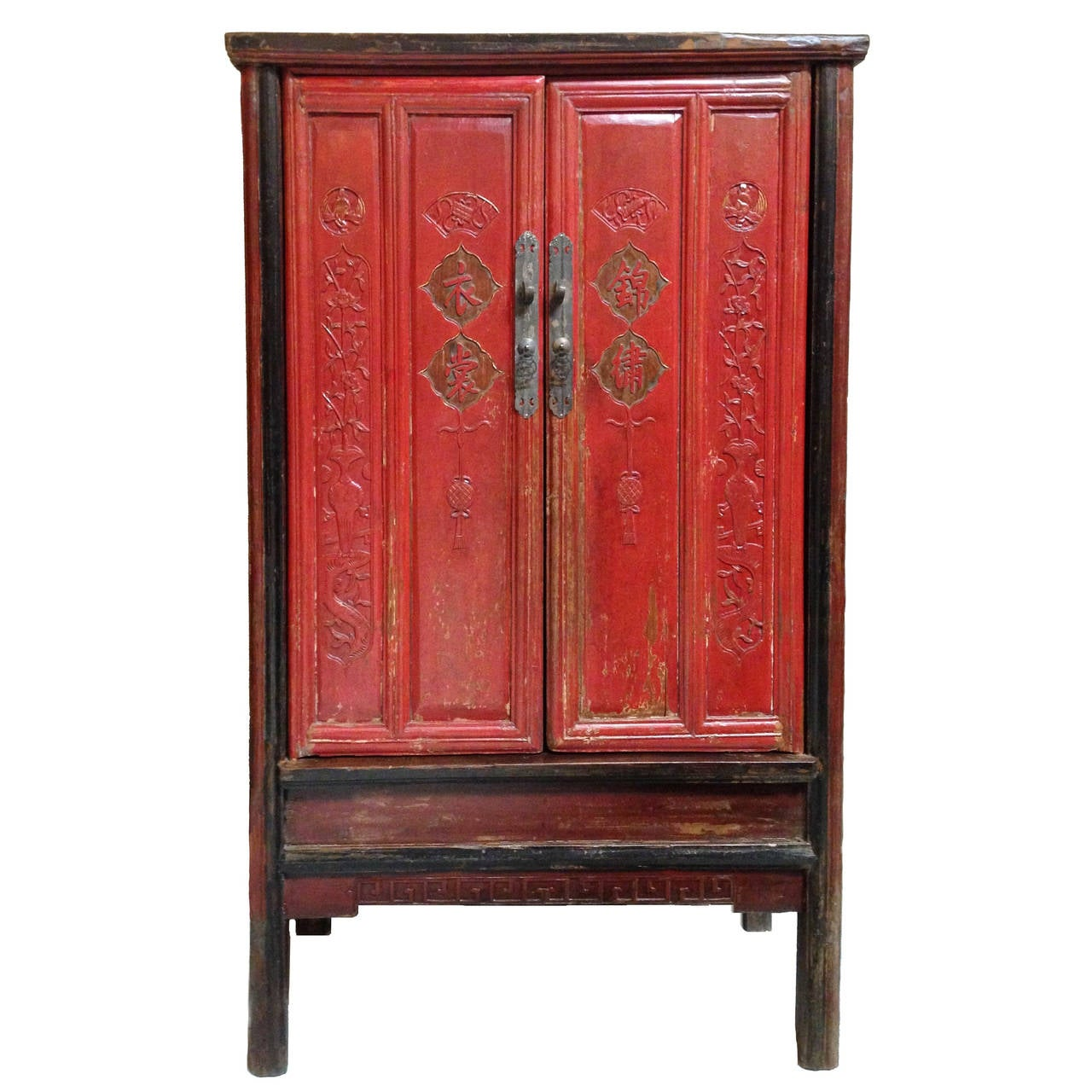 antique red lacquered princess armoire at 1stdibs. Black Bedroom Furniture Sets. Home Design Ideas
