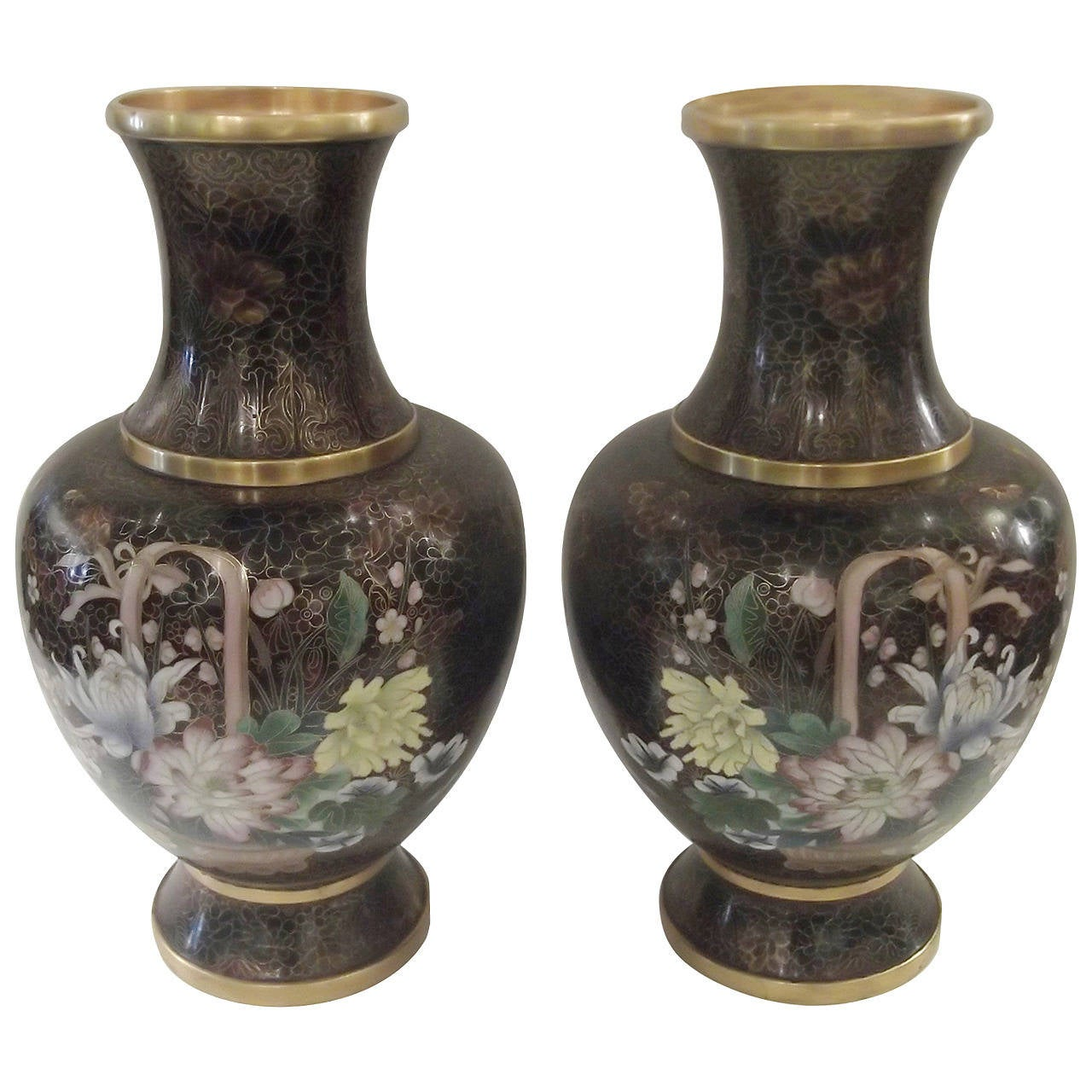 intricate pair of cloisonn bulbous vases for sale at 1stdibs. Black Bedroom Furniture Sets. Home Design Ideas