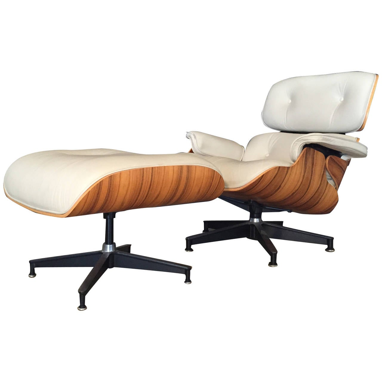 eames lounge chair by herman miller in rare off white. Black Bedroom Furniture Sets. Home Design Ideas