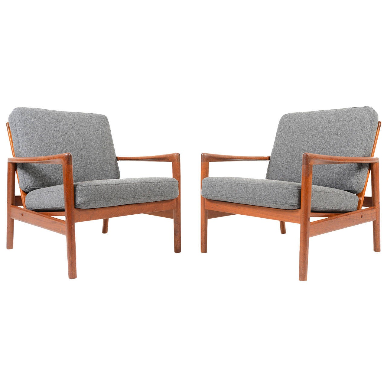 Pair Of Danish Modern Teak Lounge Chairs In Grey Wool At