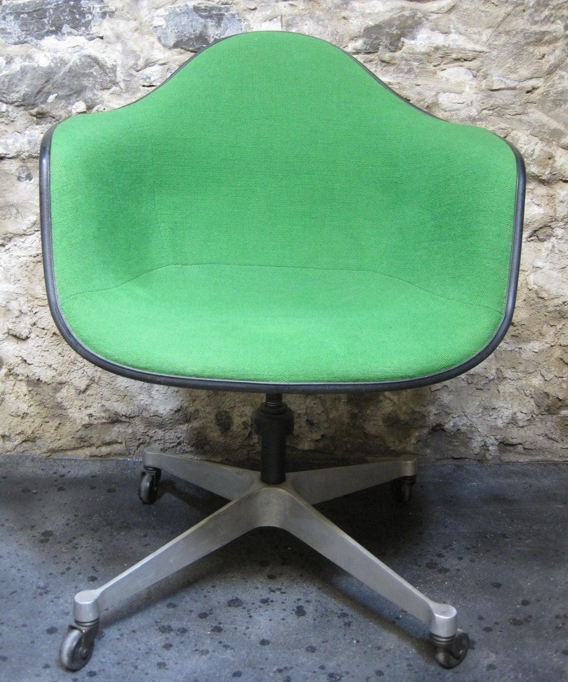 Eames Herman Miller Bucket Swivel Chair, Mid Century Modern 2