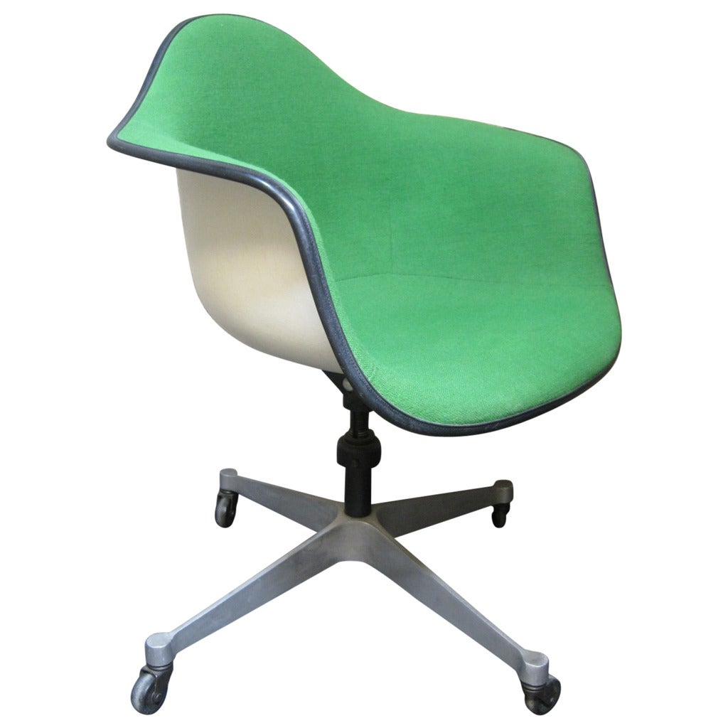 Eames Herman Miller Bucket Swivel Chair Mid Century Modern At 1stdibs
