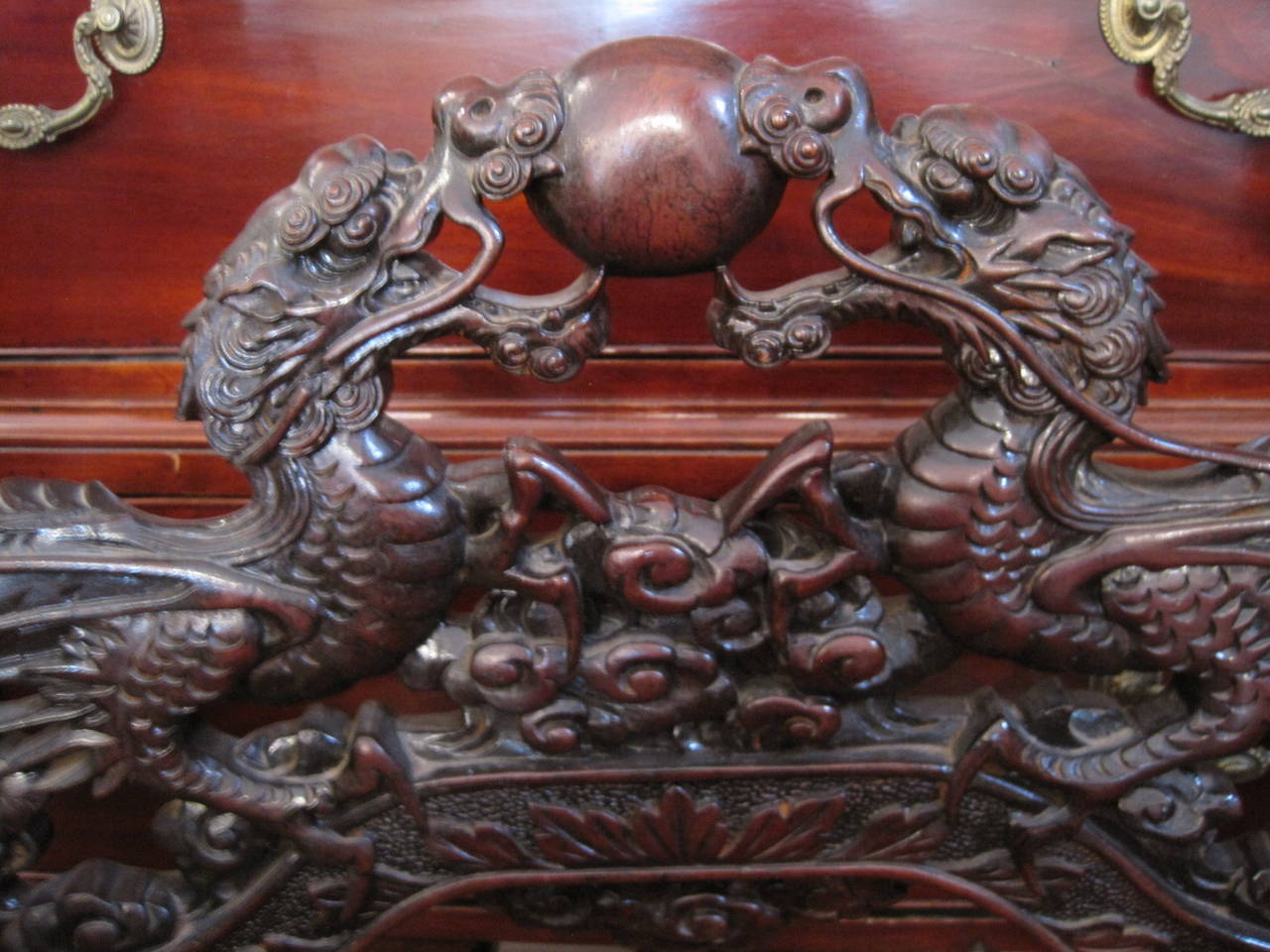Antique Chinese Dragon Chair, circa 1840. This was most likely made in  Europe with - 19th Century Chinese Carved Dragon Chair At 1stdibs