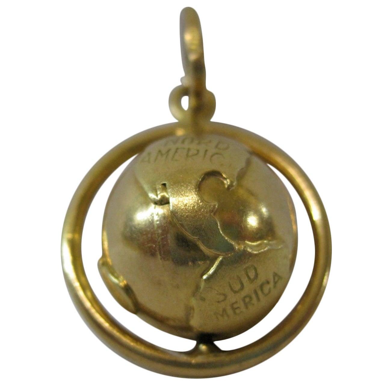 18-Karat Gold Necklace Globe Pendant