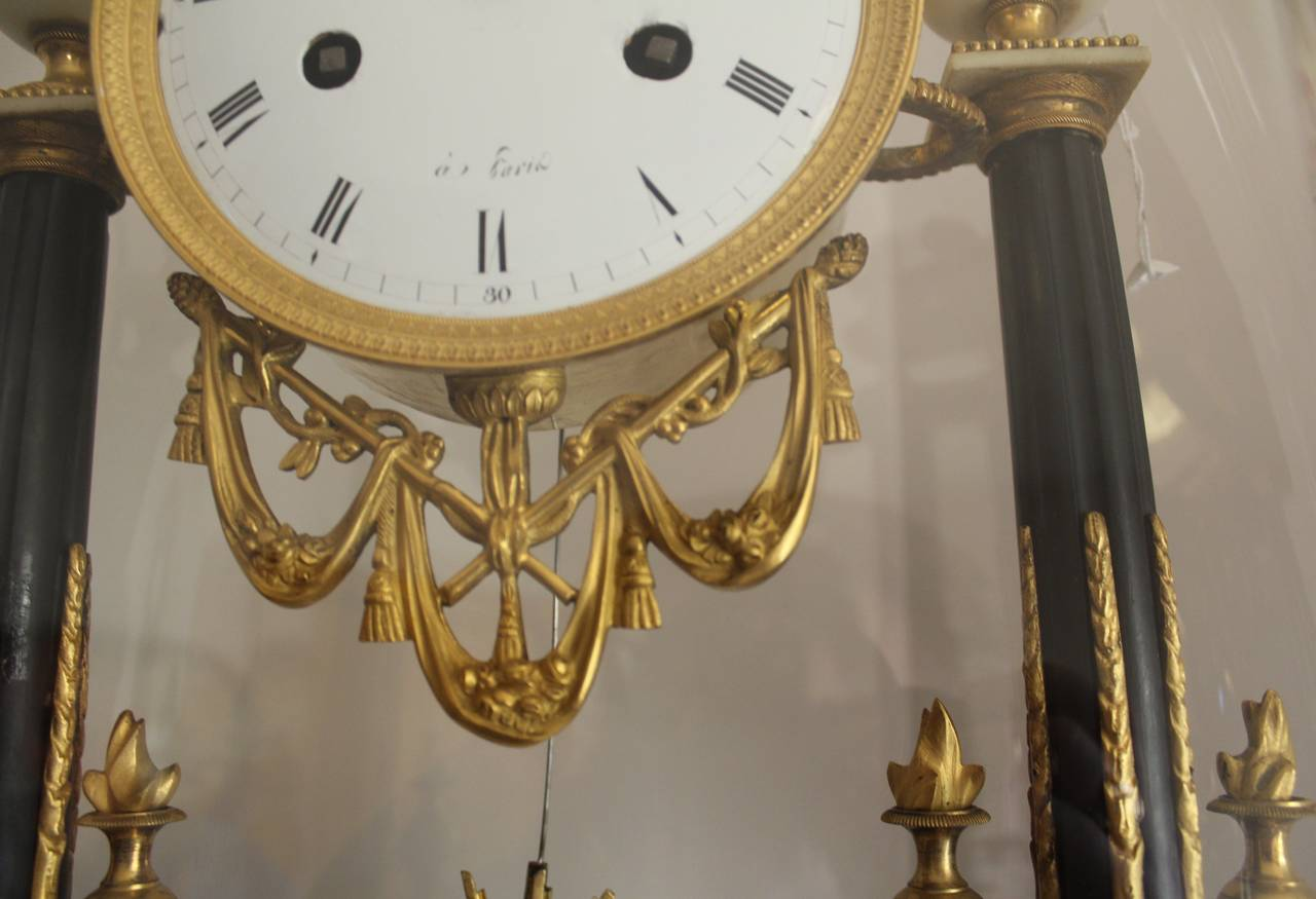 French Empire Period Marble and Ormolu Clock, Early 19th Century For Sale 2