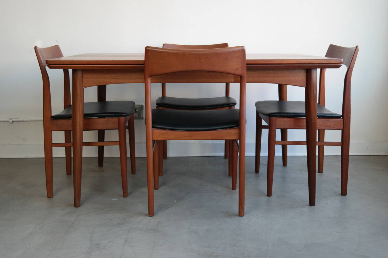 Danish modern dining set in teak for sale at 1stdibs for Designer dinette sets