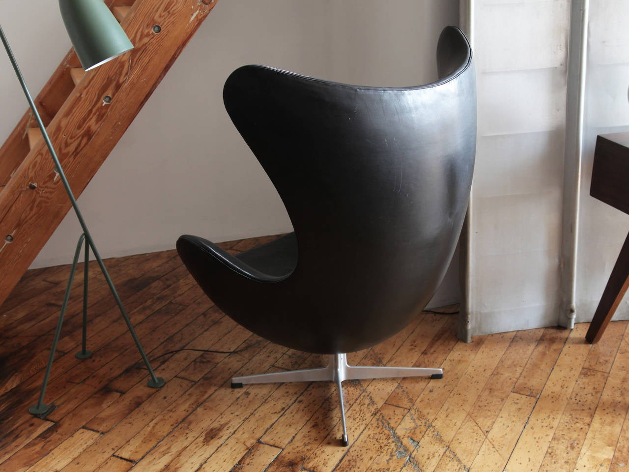 egg chair by arne jacobsen at 1stdibs. Black Bedroom Furniture Sets. Home Design Ideas