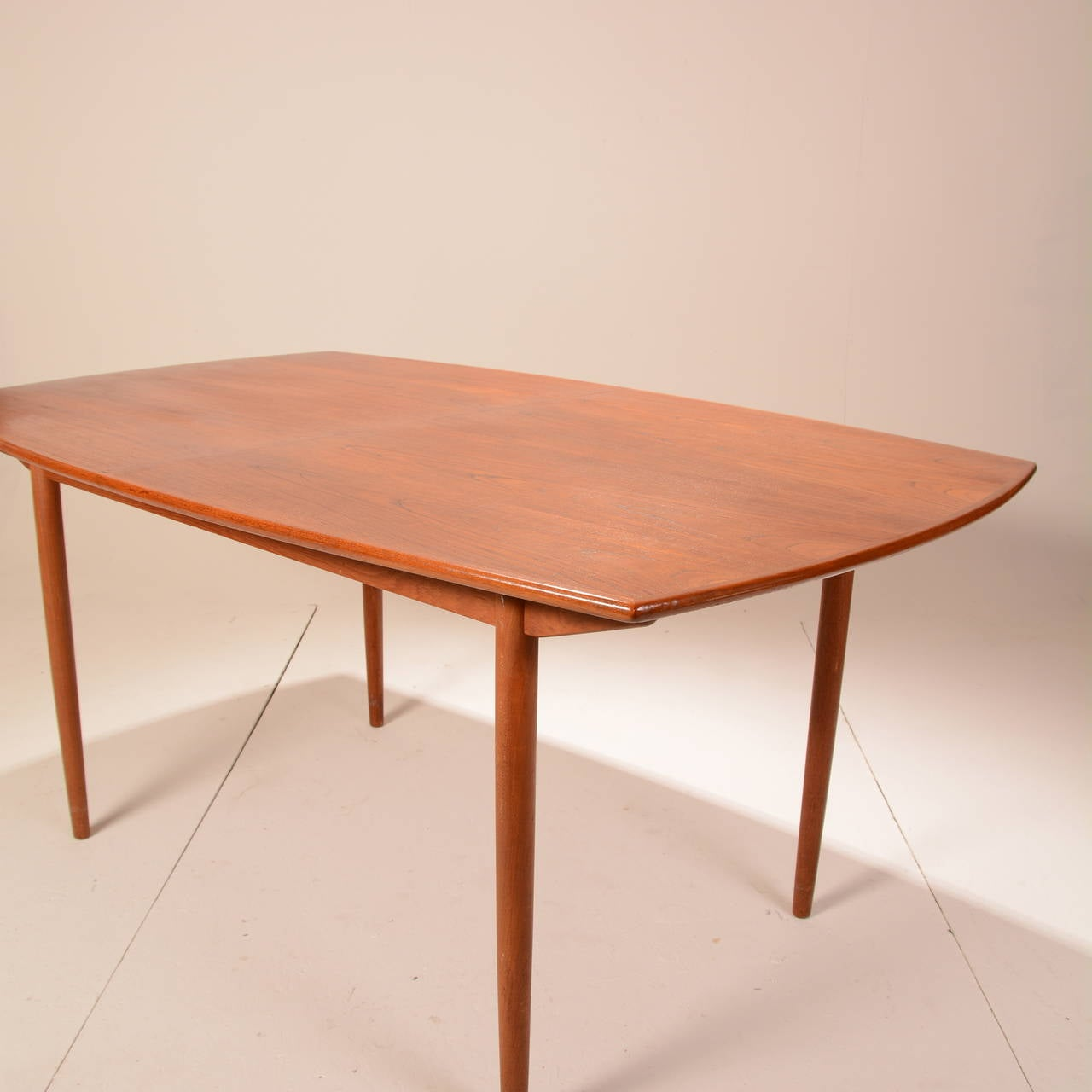 Mid century modern teak extending dining table at 1stdibs for Mid century modern dining table