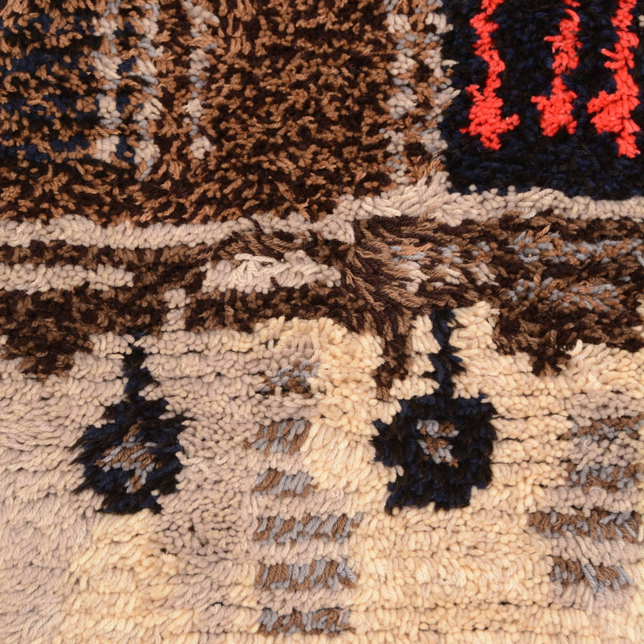 Midcentury Scandinavian Modern Rya Wool Rug Wall Hanging In Excellent Condition For Sale In Los Angeles, CA